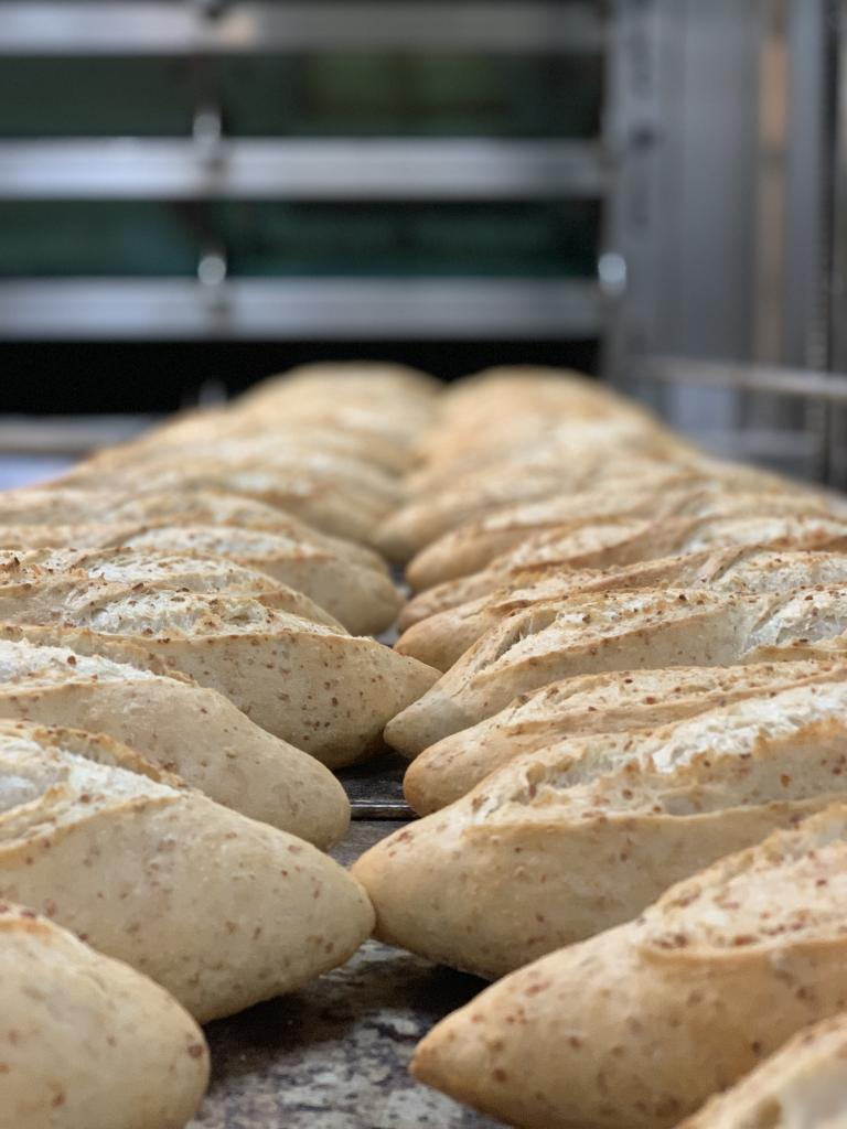 Pan de soja · Horno de Pan y pastelería Ca Sa Camena (Casa fundada en el año 1912)