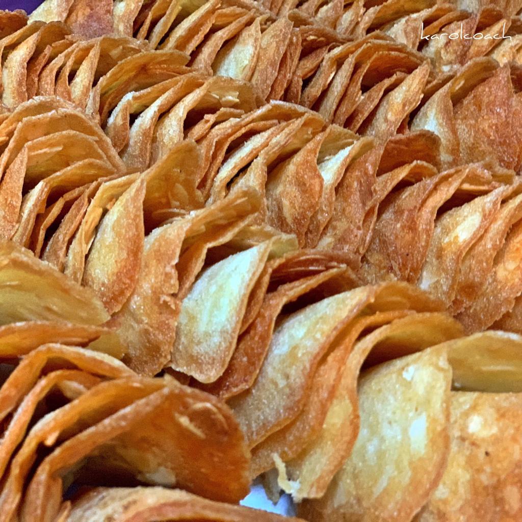 Tejas de almendra · Horno de Pan y pastelería Ca Sa Camena (Casa fundada en el año 1912)