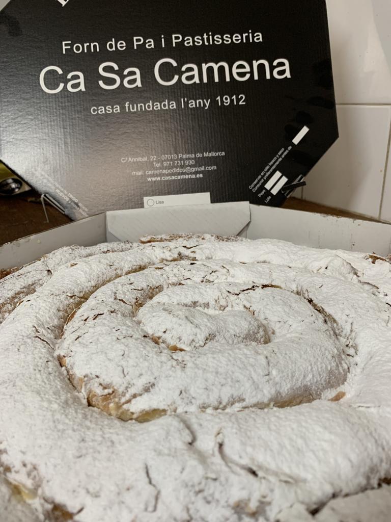 Ensaimada lisa · Horno de Pan y pastelería Ca Sa Camena (Casa fundada en el año 1912)